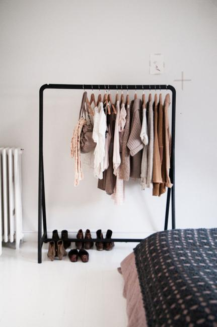 How To Organize Storage In Small Bedroom 20 Small Closet Ideas