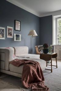 Grayish Blue and Pink Color Scheme for Beautiful Interior ...