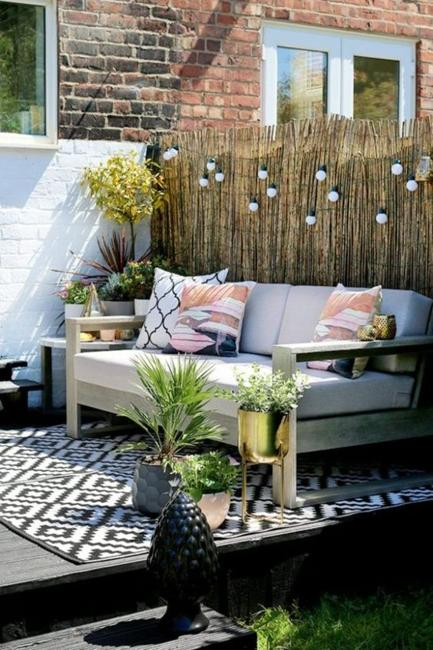 Practical Decorating Ideas for Small Wooden Decks Outdoor