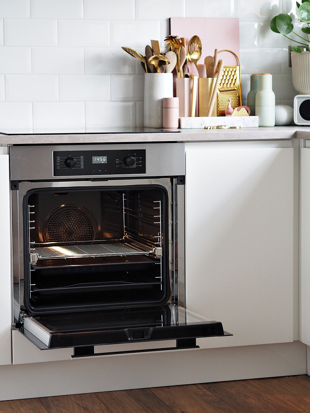 Miele Discovery H2267BP Built In Electric Single Oven Review
