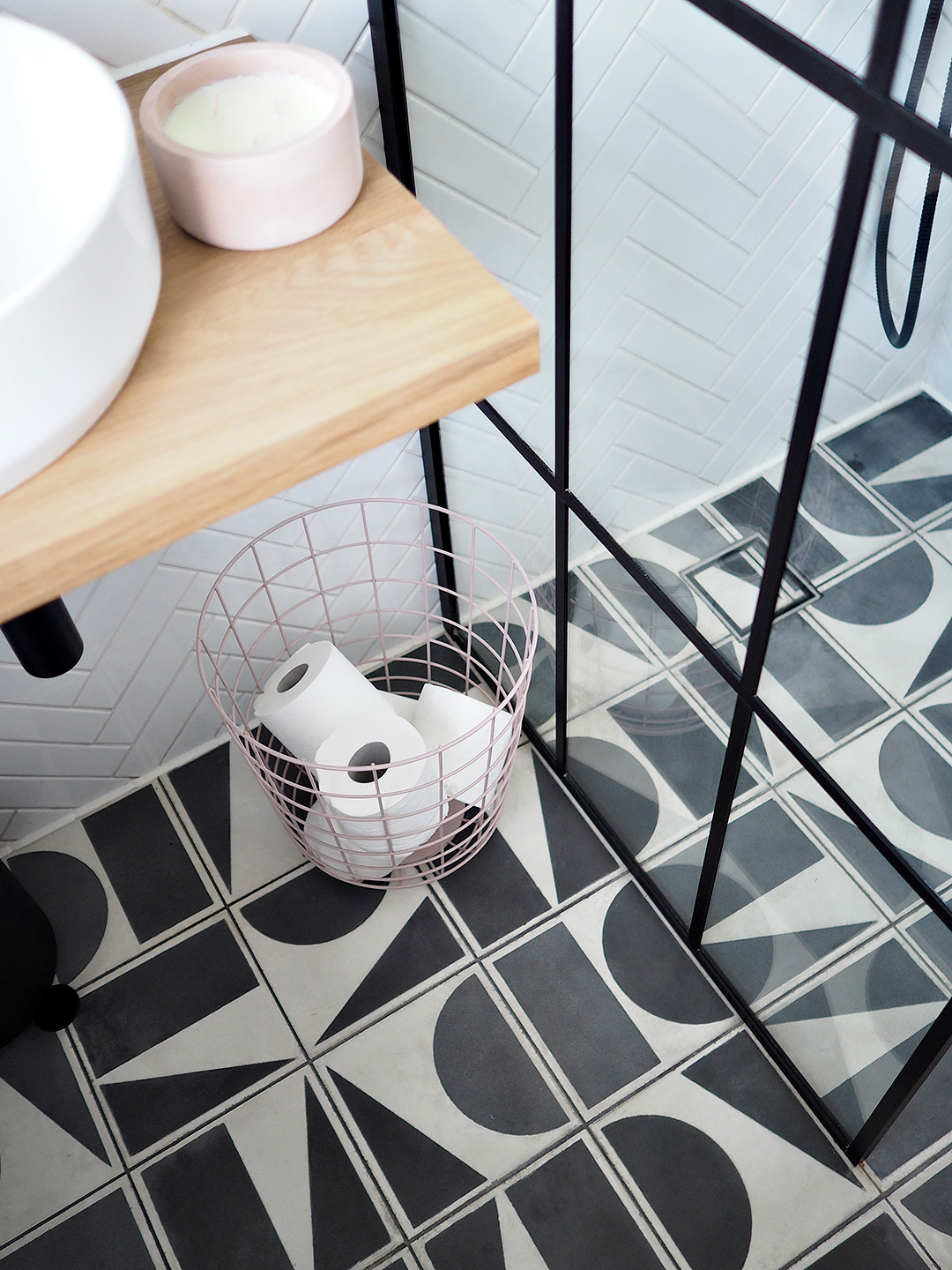 Monochrome Wetroom Black and White