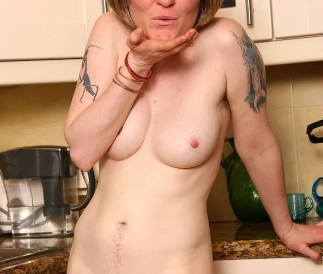 Sexy Naked Mature Women In The Kitchen