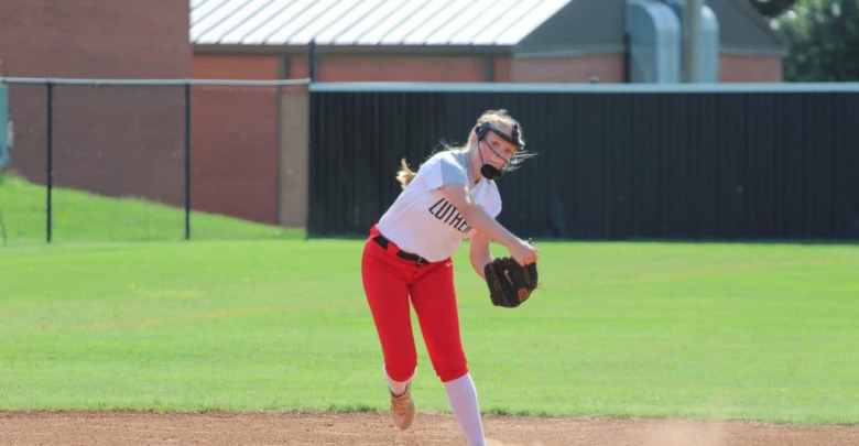 Luther Softball, Bolner at shortstop