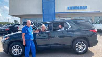 Photo of Luther Mary Kay Sales Director Earns Vehicle