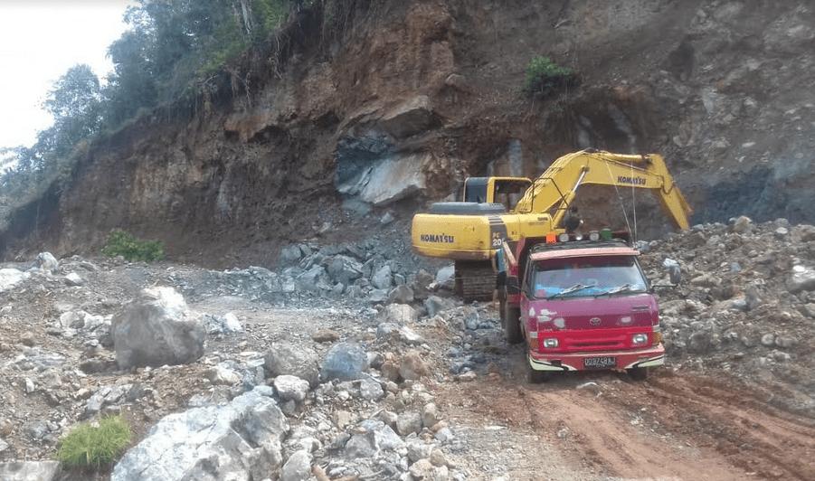 Penambangan Batu di Gunung Bellang Balantang1