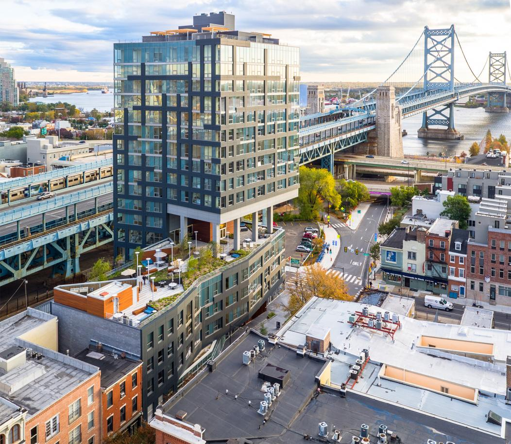 01-GLUCK+ DJI_0025_philly by drone