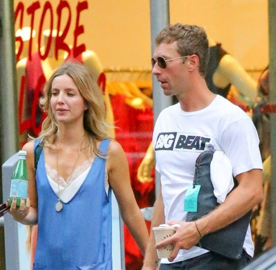 PAY-Chris-Martin-out-and-about-in-Manhattan-with-a-mystery-woman