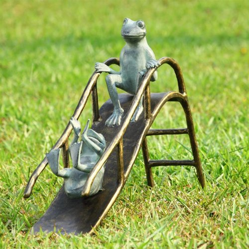 Outdoor Frog Decor