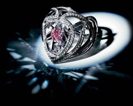 Secret-Kiss-of-the-Rose-Ring