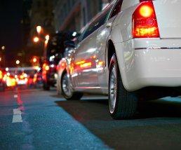 white limousine noche