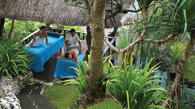 Catching the Perfect Wave with Luxury Surf Resorts Four Seasons Jimbaran Bay Bali 3