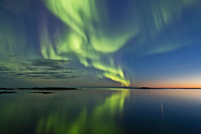 Dreamy Experiences beneath the Northern Lights 1