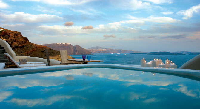 Five of the Best Luxury Resorts in Greece Mystique 2