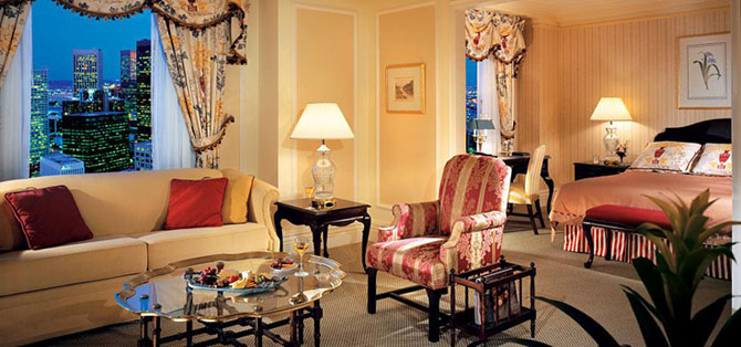 Where to Stay in Toronto The Fairmont Royal York 3