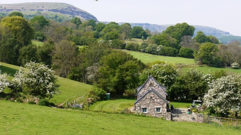 Remote luxury hideaways in wales Snowdonia Rowan Cottage