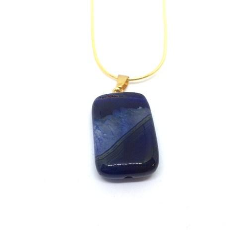 woman's agate gemstone pendant