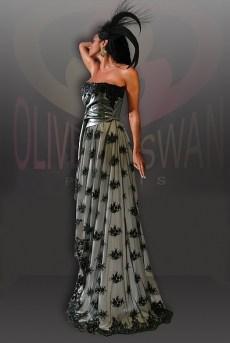 OliverSwanCoutureAH2010-11No13a
