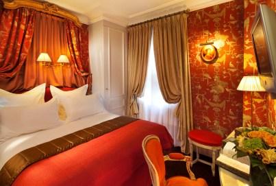 04 Hôtel de Buci- Paris -Photo © Christophe Bielsa Chambre Boudoir rouge Thème nature BD