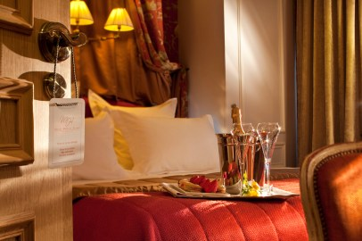 05 Hôtel de Buci- Paris -Photo © Christophe Bielsa Chambre Boudoir Accueil Champagne BD