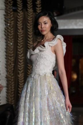 33-Robe Charleston Plastique Or & Blanc DANY ATRACHE PE 2012