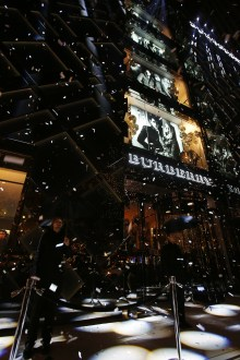 Burberry Celebrates Art Of The Trench Chicago Inside