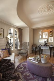 Citadines_Suites_Louvre_Paris_Royale_Suite_(Living.room)_02