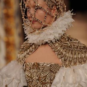 Alexander McQueen Paris Fashion Week / Fall 2013 Beauty report