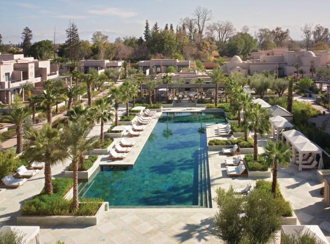Une des deux piscine du Four Seasons