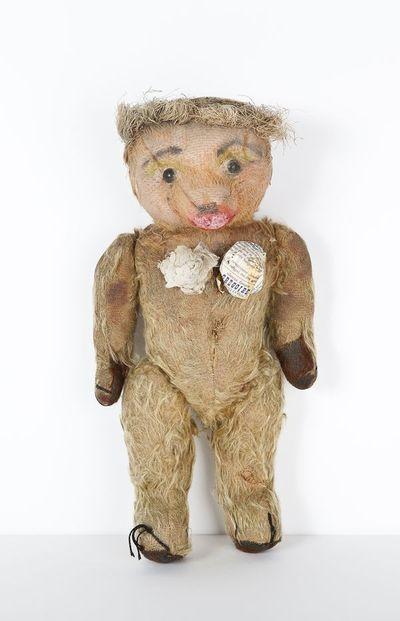 Ma première muse était mon ours en peluche, Nana. Je lui mettais du maquillage et de la poudre comme je laurais fait sur une poupée, donc il avait déjà un parfum à lui! » Jean Paul Gaultier