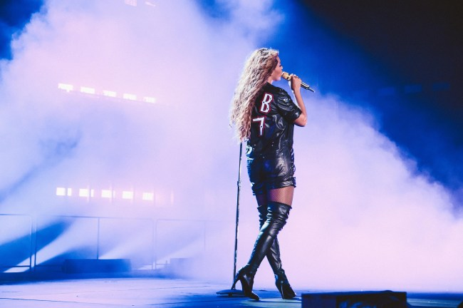 71400570-Beyoncé-in-GHCbRT-2-original