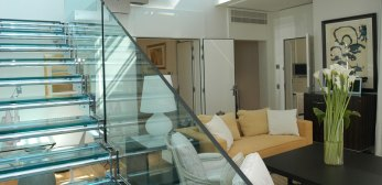 2-Diamond-suite-duplex-jacuzzi
