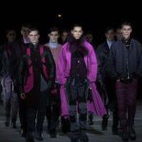 Indispensable de l'homme pour l'hiver : Le violet en haut de l'affiche