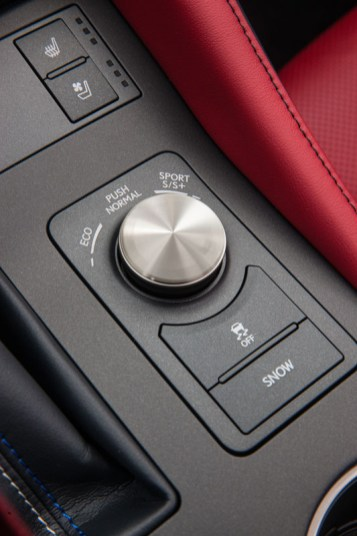 Lexus_RC_F_INT_13