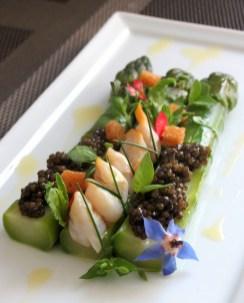 Belles asperges vertes - caviar l Petrossian -coques