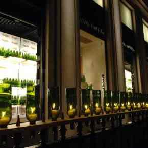 Le 10 septembre 2015 , l'avenue Montaigne se met à l'heure des vendanges.