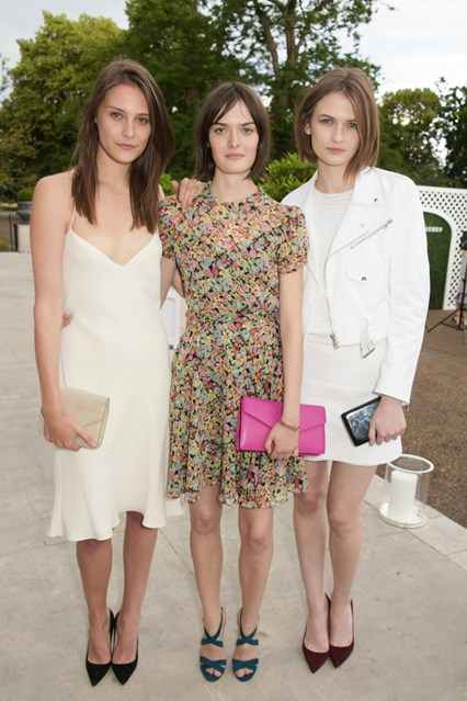 Charlotte-Wiggins-Sam-Rollinson-Lara-Mullins-Vogue-23Jun15-Getty_b_426x639