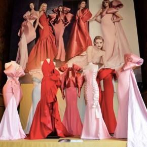 Levé de rideau original pour la collection Automne-Hiver d'Alexis Mabille