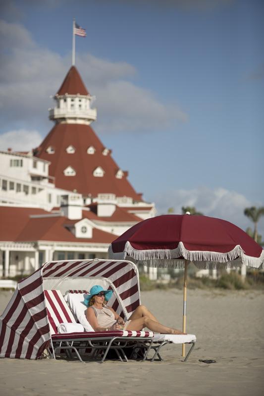 Del Beach with Turret Vert LR