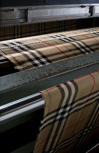 The Burberry Classic Cashmere Scarf - Craftsmanship Image_025