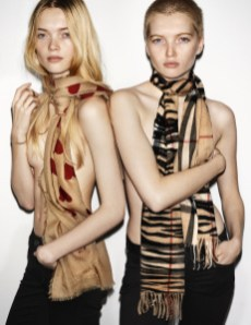 May and Ruth Bell in the Burberry Spring_Summer 2016 Campagin