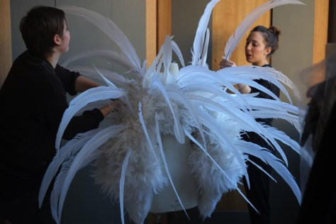 Backstage ON AURA TOUT VU couture photos by emmanuel sarnin (2)