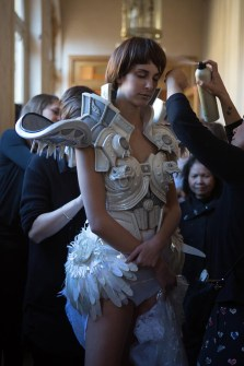 Backstage ON AURA TOUT VU couture photos by emmanuel sarnin (41)