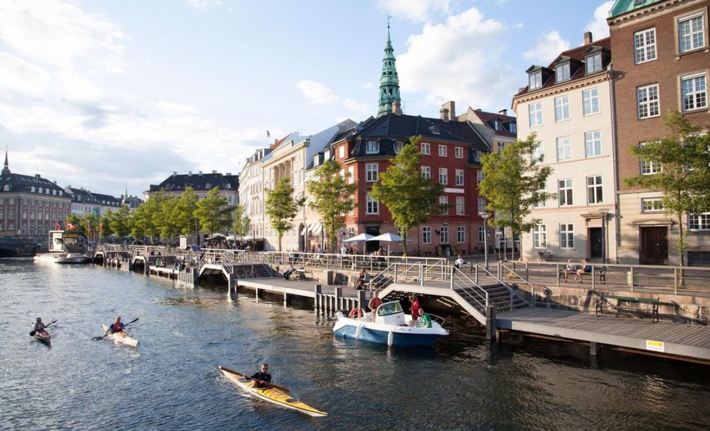 Copenhagen,-kayaking-the-canals-of-Copenhagen