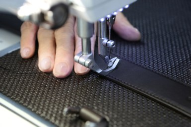 Ermenegildo Zegna_Pelle Tessuta_Making of_Bag_03