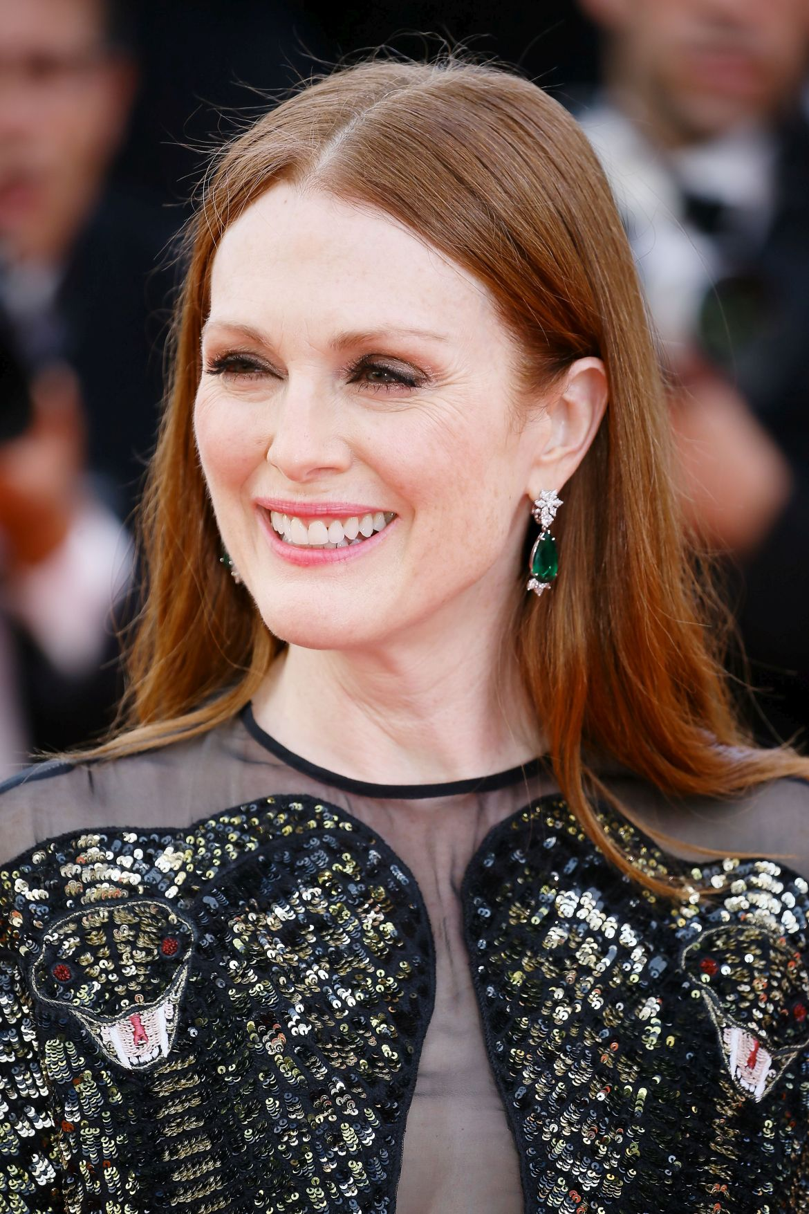 CANNES, FRANCE - MAY 11: Julianne Moore attends the opening gala dinner of the annual 69th Cannes Film Festival at Palais des Festivals on May 11, 2016 in Cannes, France. (Photo by Epsilon/Getty Images)