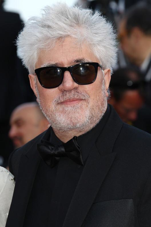 Pedro Almodóvar en Givenchy par Riccardo Tisci
