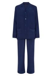Un pyjama : Bonsoir les jolis pyjamas en soie. La perla, 368€