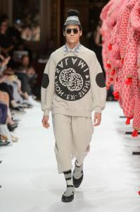 defile-henrik-vibskov-printemps-ete-2017-paris-look-25