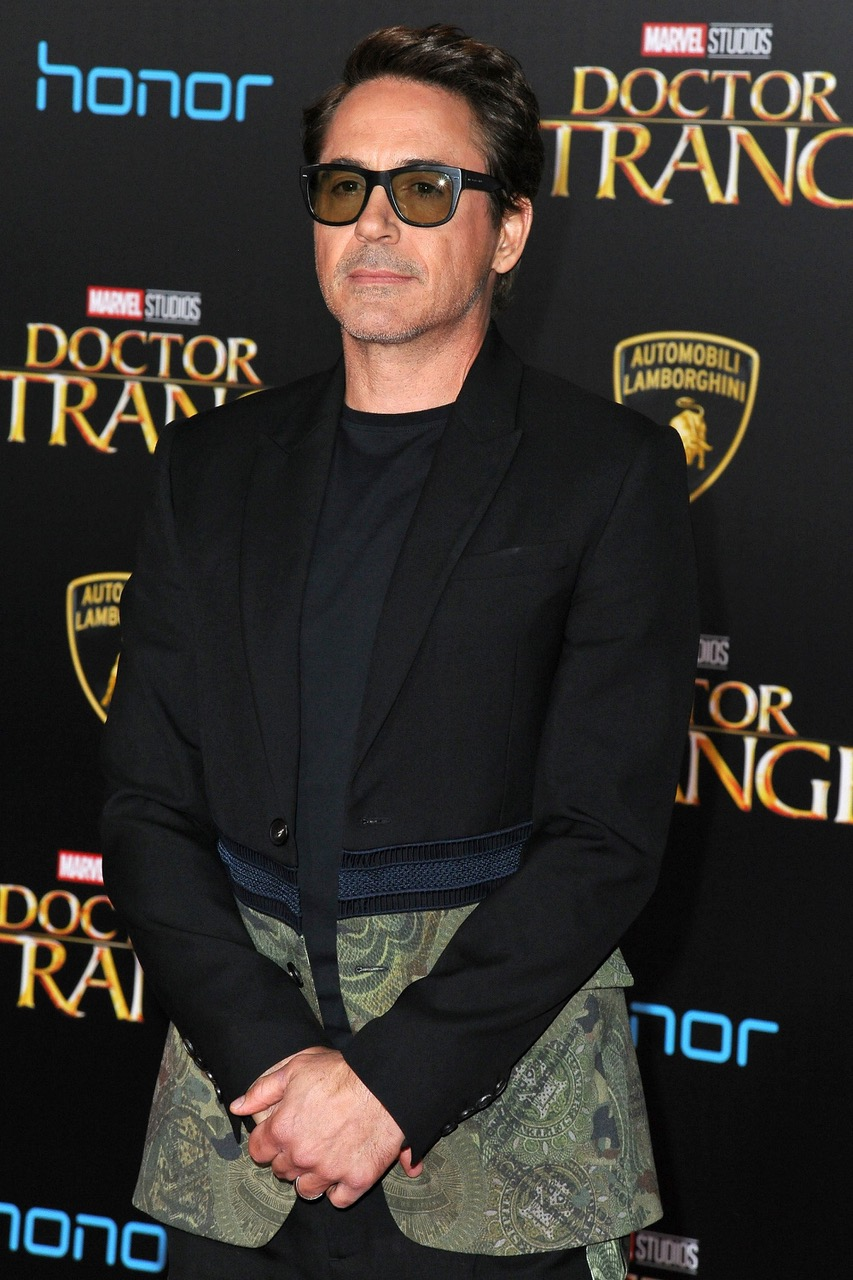 HOLLYWOOD, CA - OCTOBER 20:  Actor Robert Downey Jr. arrives at the Premiere of Disney and Marvel Studios' 'Doctor Strange' on October 20, 2016 in Hollywood, California.  (Photo by Jerod Harris/WireImage)