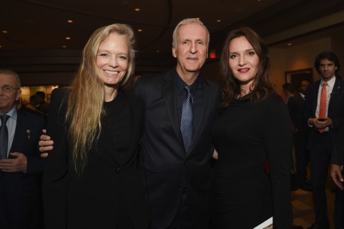 HOLLYWOOD, CA - NOVEMBER 15: (L-R) Actress Suzy Amis Cameron, filmmaker James Cameron, and actress Rochelle Rose attend the 2016 Rolex Awards For Enterprise at the Dolby Theatre on November 15, 2016 in Hollywood, California. (Photo by Emma McIntyre/Getty Images for Rolex Awards for Enterprise )